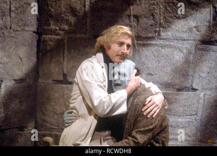 YOUNG FRANKENSTEIN 1974  20th Century Fox film with Gene Wilder at left and Peter Boyle - Stock Image