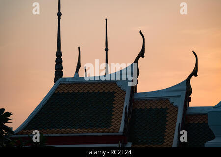 The roofs of Wat Po Temple, Bangkok, Thailand - Stock Image