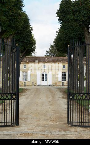 gate chateau trottevieille saint emilion bordeaux france - Stock Image