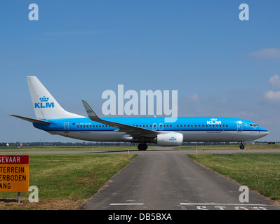 PH-BXM KLM Royal Dutch Airlines Boeing 737-8K2(WL) 3 - Stock Image