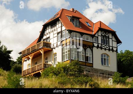 Villa im Fachwerkstil, Wernigerode, Deutschland. - Mansion in the half-timbered style, Wernigerode, Germany. - Stock Image
