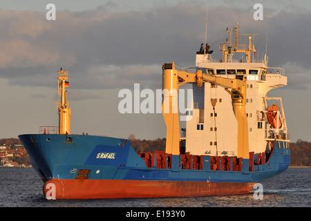 Cargovessel S. Rafael entering Holtenau-Locks (Kiel Canal) - Stock Image