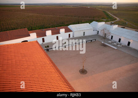 The medieval Courtyard of the Torre de Palma Winery and hotel - Stock Image