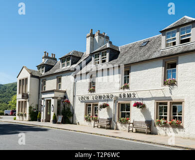 Loch Lomond Arms Hotel, Luss, Loch Lomond and The Trossachs National Park, Argyll and Bute, Scotland, UK - Stock Image