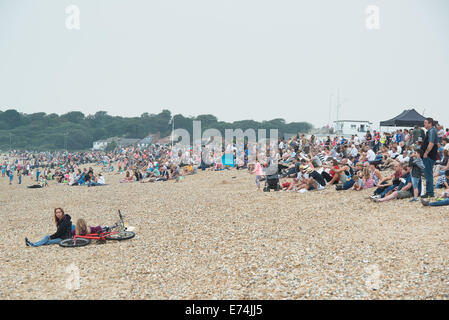 Stokes Bay, Hampshire, UK. 6th Sep, 2014. P1 Superstock final round. Stokes Bay, Gosport, Hampshire. Crowds gathered - Stock Image