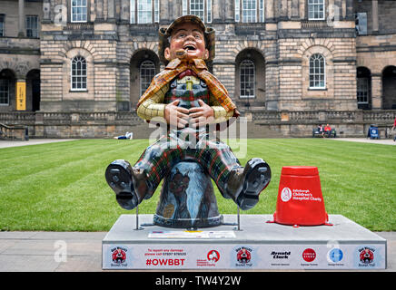 Oor Sherlock Holmes, one of around 200 customised characters from The Broons, part of the 2019 Oor Wullie BIG Bucket Trail. Edinburgh, Scotland. - Stock Image