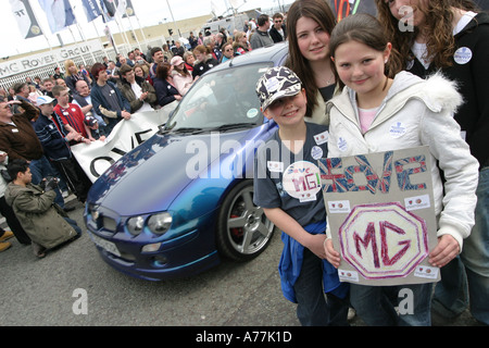 MG Rover supporters and employees stage a protest and rally outside the main Q gate, Longbridge on Sunday 17 April 2005 - Stock Image