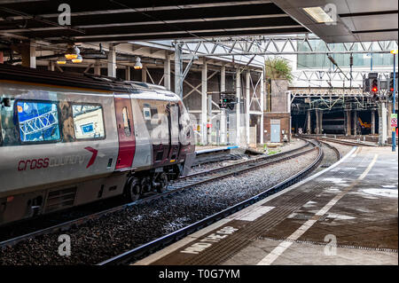 Train waits to depart at Birmingham New Street Railway Station, Birmingham, West Midlands, UK. - Stock Image