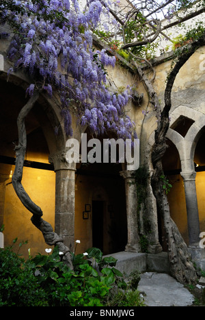 The arched cloister of Chiesa di San Francesco, Sorrento, Italy. - Stock Image