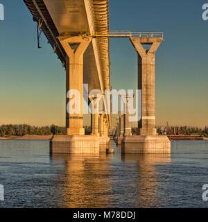 Russia, Volgograd-October 3,2017: Construction of an automobile bridge across the Volga River in the city of Volgograd - Stock Image