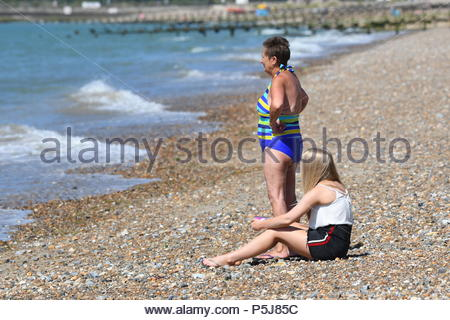 Littlehampton, UK. Wednesday 27th June 2018. People look out to see on another very warm and sunny morning in Littlehampton, on the South Coast. Credit: Geoff Smith / Alamy Live News. - Stock Image