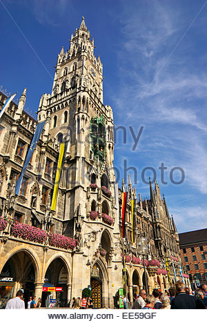 The Glockenspiel in the Mariensäule, the famous Marian Column in the Marienplatz in central Munich dates to - Stock Image