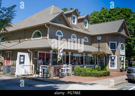 BLOWING ROCK, NC, USA,-23 AUG 2018: A restaurant, BR Bites & Brews, on Main Street in the small, mountain resort town, near the Blue Ridge Parkway. - Stock Image