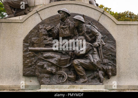 Liverpool Wirral Port Sunlight Village WWI WWII first second world war monument war memorial staff employees killed died sacrificed lives bronze army - Stock Image