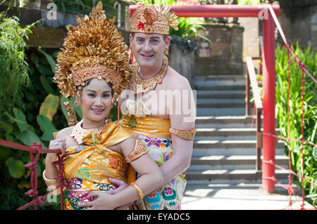 Western and Asian Couple do a Prewedding Photo Season in Bali - Stock Image