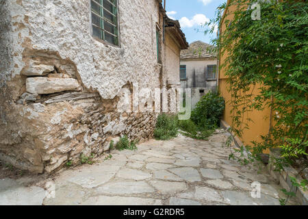 Alleyway in an old Greek town. - Stock Image