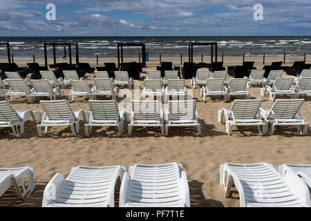 Sunbeds on the beach on the Baltic Sea - Stock Image