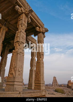 The monolithic Kadlekalu Ganesha is carved out of a single boulder in Hampi India - Stock Image