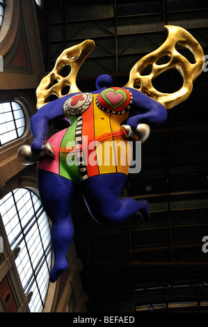 The Angel of Travelers in Zurich train station,  designed by Niki de Saint Phalle - Stock Image