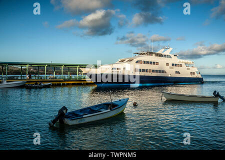 Ferry Terminal and Vieques II ferry, Isabel Segunda, Vieques, Puerto Rico - Stock Image