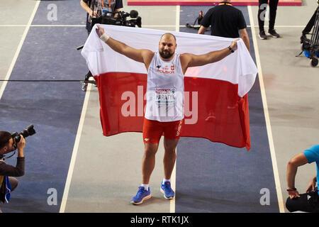 Glasgow, UK. 1st Mar, 2019. Michal Haratyk wins gold in shot put on European Athletics Indoor Championships 2019. Credit: Pawel Pietraszewski/Alamy Live News - Stock Image