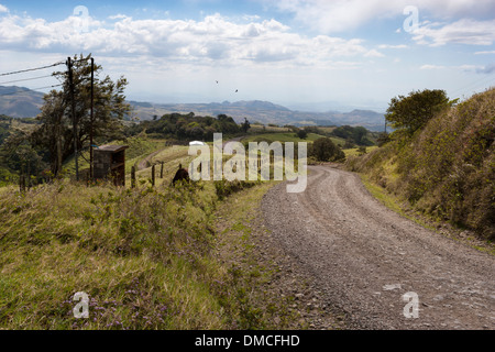 Rolling farm country in central Costa Rica. - Stock Image