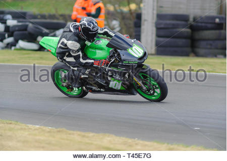East Fortune, UK.Michael Jamieson riding a Kawasaki ER 650 in a Scottish Lightweights race at East Fortune Raceway, during the opening rounds of the 2019 Scottish Championships, Melville Open and Club Championships. Credit: Roger Gaisford/Alamy Live News - Stock Image