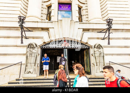 London dungeon entrance, London dungeon, London dungeon building, London dungeon attraction, London attraction, London attractions, London dungeons, - Stock Image