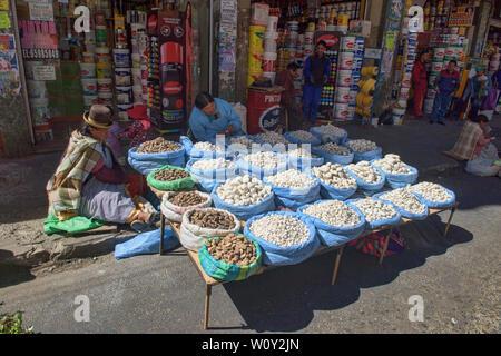 Chuño freeze dried potatoes in the Mercado Rodriguez market, La Paz, Bolivia - Stock Image