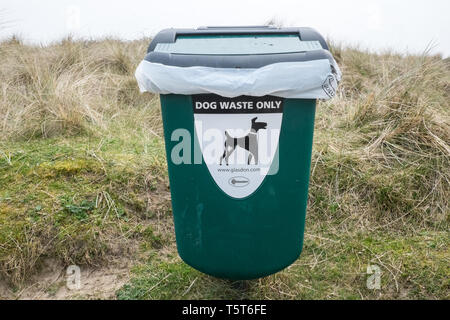 Dog waste bin,Ynyslas,beach,Dovey River Estuary,Wales,Mid,Wales,holiday,destination,coast,coastal,resort,UK,U.K.,Britain,GB,Great Britain,British, - Stock Image