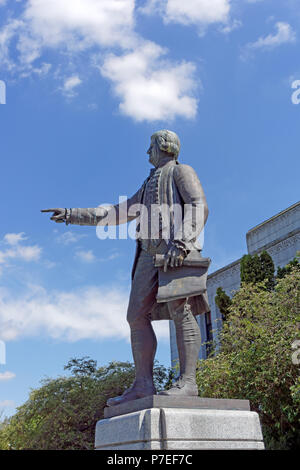 Statue of Captain George Vancouver in front of the Vancouver City Hall building, Vancouver, BC, Canada - Stock Image