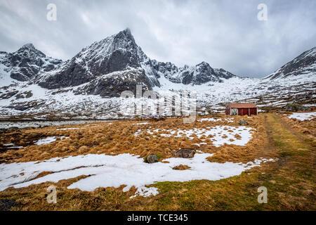 Wooden shack near Flakstad, Lofoten, Nordland, Norway - Stock Image
