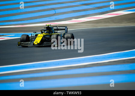 Marseille, France. 21st June 2019, Circuit Automobile Paul Ricard, Le Castellet, Marseille, France ; FIA Formula 1 Grand Prix of France, practise sessions; Nico Hulkenberg of the Renault Team in action during free practice 1 Credit: Action Plus Sports Images/Alamy Live News - Stock Image