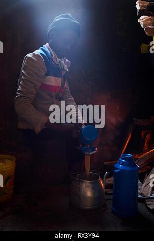 Kenya, Kericho county, Kericho, Evaline CHebe, 35 old, tea picker at home - Stock Image