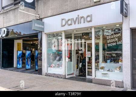 Davina shoe shop in Bromley, South London. - Stock Image