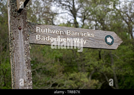 Bandeoch Way signpost pointing to Ruthven Barracks, owned by Historic Scotland, near Kingussie in Cairngorm National Park, Scotland, UK. - Stock Image