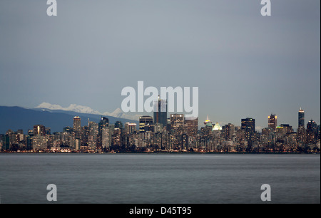 Downtown Vancouver skyline with the North Shore Mountains beyond, Vancouver, British Columbia, Canada - Stock Image