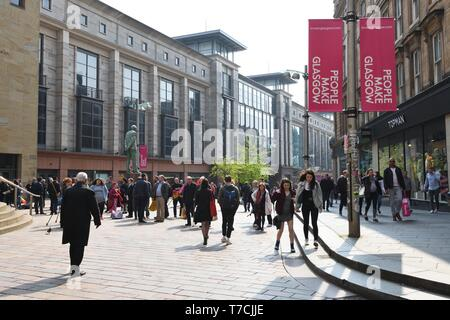Buchanan Street precinct and Galleries busy with people on a sunny spring day in Glasgow, Scotland, UK, Europe. - Stock Image