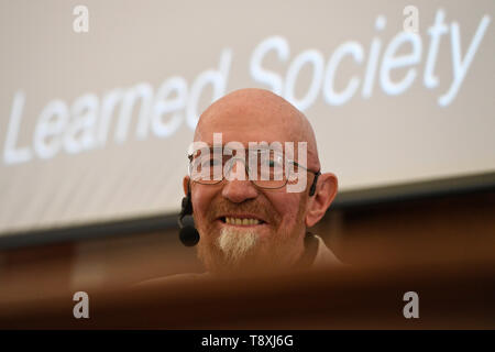 Prague, Czech Republic. 15th May, 2019. American Nobel Prize holder, physicist Kip Thorne gives lecture in UK Faculty of Mathematics and Physics in Prague, Czech Republic, May 15, 2019. Credit: Michal Kamaryt/CTK Photo/Alamy Live News - Stock Image