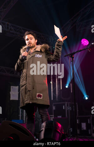 Josh Littlejohn MBE co founder of Social Bite talks to the crowd in Aberdeen, Duthie Park. Credit Paul Glendell Credit: Paul Glendell/Alamy Live News - Stock Image