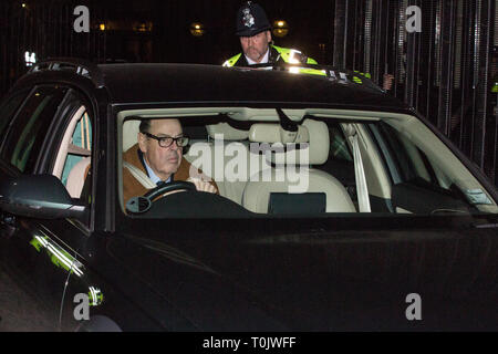 London, UK. 20th March, 2019. Sir Nicholas Soames, Conservative MP for Mid Sussex, leaves the House of Commons on the evening that Prime Minister Theresa May was meeting Opposition leaders to discuss extending Article 50 before travelling to Brussels tomorrow for an EU summit. Credit: Mark Kerrison/Alamy Live News - Stock Image