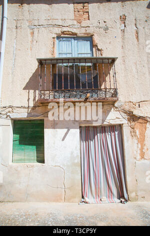 Facade of house in ruins. Langa de Duero, Soria province, Spain. - Stock Image
