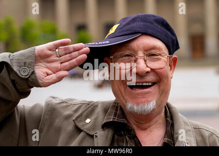 """Radio Tay-2 """"Tay Talk-In"""" chat host John Bisset having a bit of fun in Dundee city centre, UK - Stock Image"""