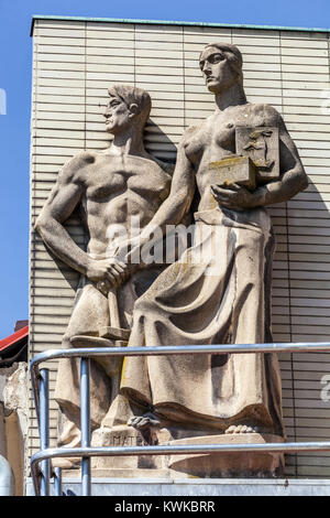 Statue in the style of socialist realism in the square, Libochovice, Czech Republic - Stock Image