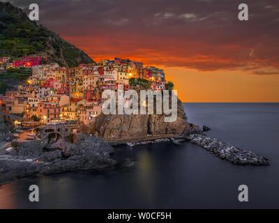 Manarola at night, Cinque Terre, Italy - Stock Image