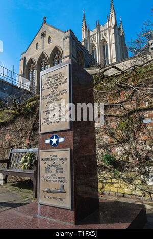 Memorial dedicated to the US airmen who flew bombing missions from Rougham Airfield, Suffolk, during World War Two, Abbey Gardens, Bury St Edmunds. - Stock Image