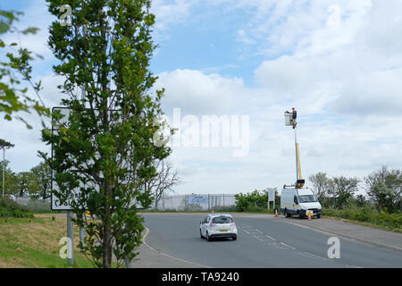 Street light maintenance in Falmouth, Cornwall. - Stock Image