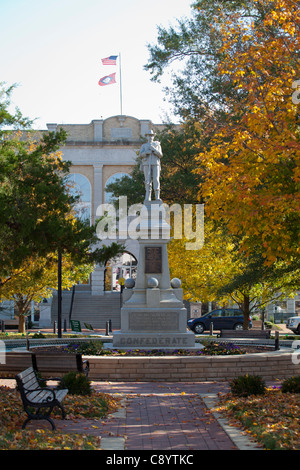 The Confederate Statue on the square in downtown Bentonville, Ark. - Stock Image