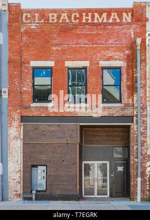 JOHNSON CITY, TN, USA-4/27/19: Front exterior of the now empty C. L. Bachman building. - Stock Image