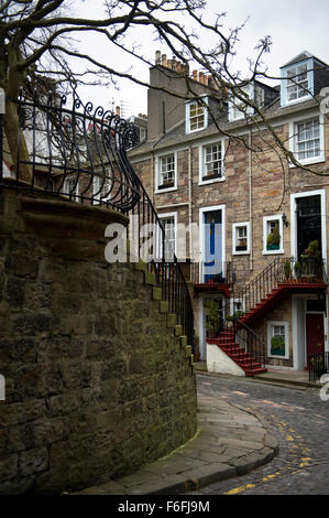 A view along the historic Ramsey Gardens in the Castlehill area of Edinburgh - Stock Image